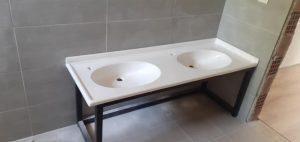 okul tuvalet lavabosu